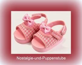 Schwenk Puppenschuhe, rosa-weiß karierte Sandalen, ca. 6 cm lang für Puppen von 42 - 45 cm - Bild vergrößern